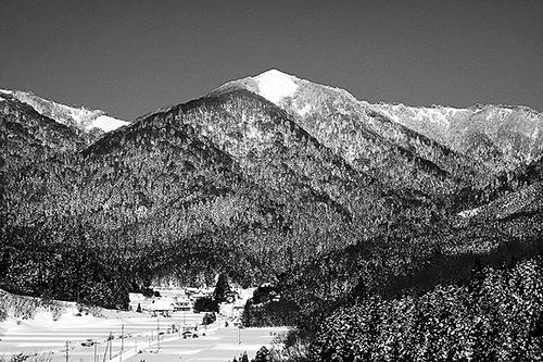 厳寒の朝の毛無山